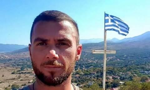 Κωνσταντίνος Κατσίφας – Η μητέρα του ξεσπά: «Οι αλήτες έφαγαν το παιδί μου»