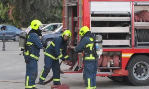 Μεγάλη φωτιά σε διαμέρισμα στη Νίκαια