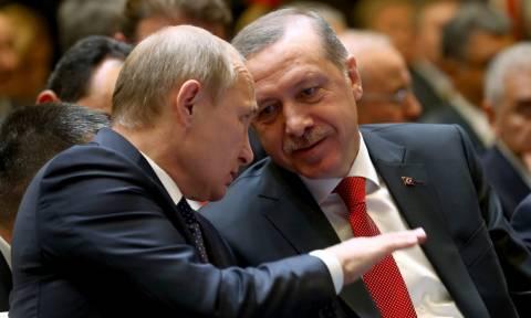 «Δοκιμάζει» την υπομονή του Πούτιν ο Ερντογάν: «Η Κριμαία είναι και θα είναι ουκρανική»