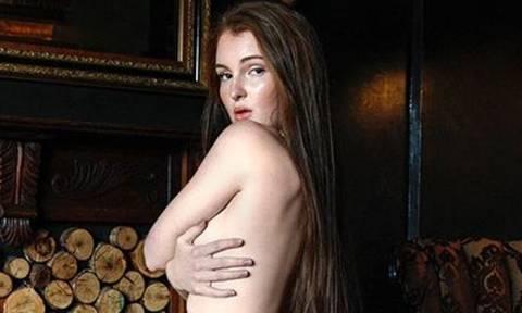 Η Ζωή λατρεύει να κάνει γυμνισμό και οι φωτογραφίες της θα στο αποδείξουν!