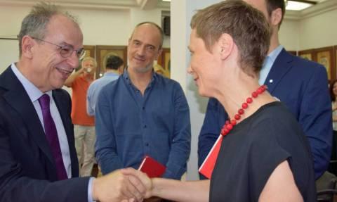 Νέο τελεσίγραφο για τον Νικόλαο Οικονομόπουλο και τον Ελληνικό Ερυθρό Σταυρό