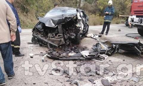 Σφοδρή μετωπική σύγκρουση με τρεις τραυματίες στην επαρχιακή οδό Αράχωβας - Λιβαδειάς (pics)