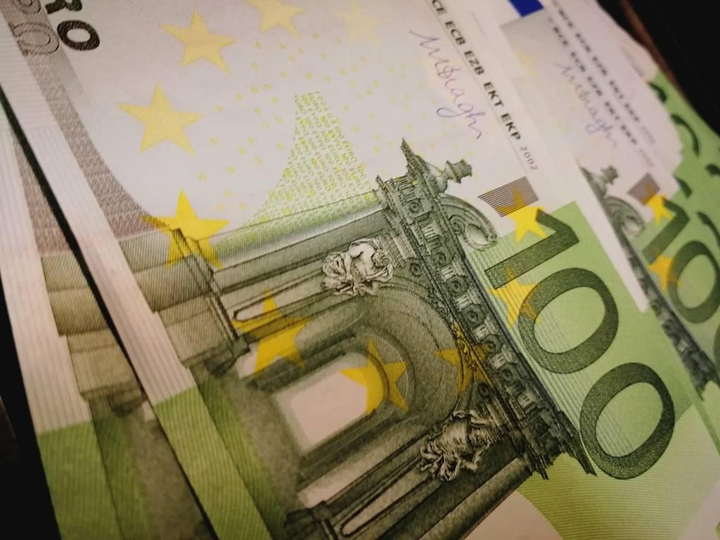 Αφορολόγητα αναδρομικά άνω των 1.500 ευρώ: Δείτε ποιοι υπάλληλοι τα δικαιούνται