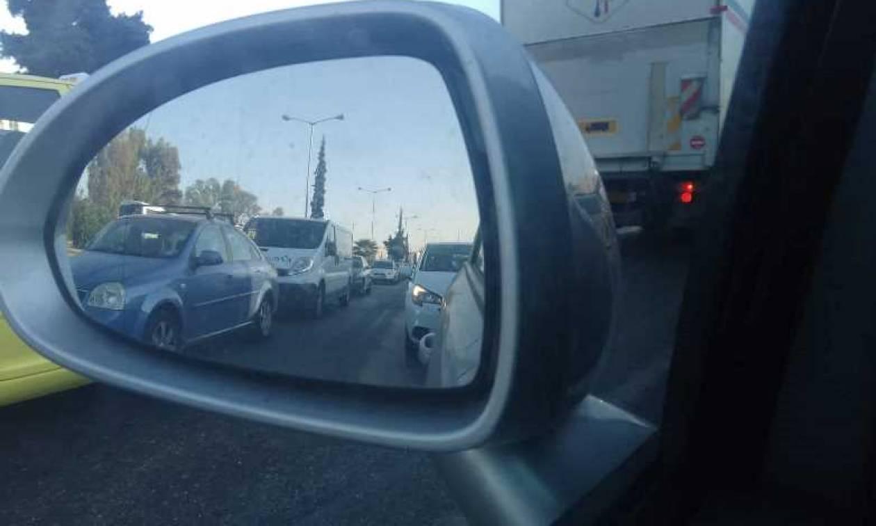 Κίνηση στους δρόμους της Αθήνας: Πού παρατηρούνται προβλήματα