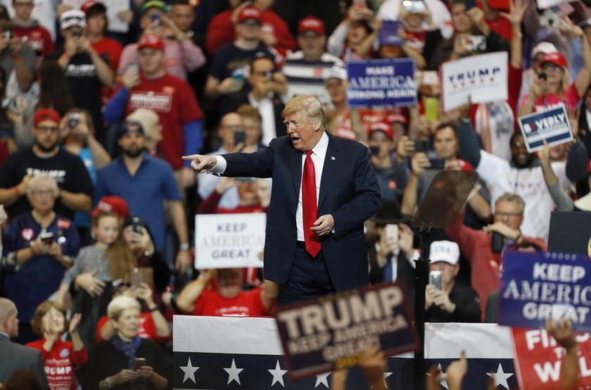 ΗΠΑ: «Παίρνει» τις εκλογές πάνω του ο Τραμπ – «Ψηφίστε σα να είμαι εγώ υποψήφιος»