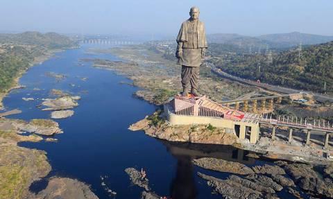 Σοκ και δέος: Αυτό είναι το πιο ψηλό άγαλμα του κόσμου!
