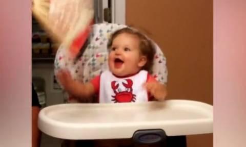 Τα πιο ενθουσιασμένα μωρά του κόσμου σ' ένα βίντεο