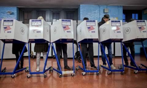 ΗΠΑ: Άνοιξαν οι κάλπες για τις ενδιάμεσες εκλογές που θα κρίνουν το μέλλον των ΗΠΑ
