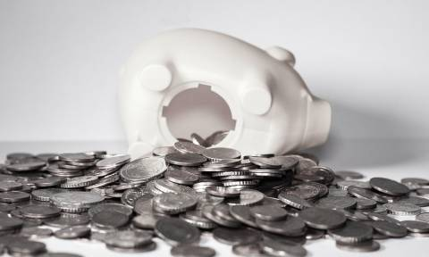 Αναδρομικά χωρίς κρατήσεις για 50.000 υπαλλήλους - Ποιοι αναμένεται να τα λάβουν