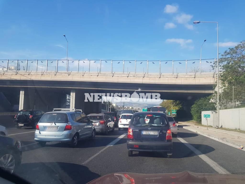 ΕΚΤΑΚΤΟ - Αττική Οδός: Έκλεισε η έξοδος προς Λαμία – Ουρές χιλιομέτρων (pics)