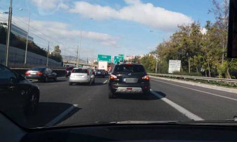 Αττική Οδός: Έκλεισε η έξοδος προς Λαμία – Ουρές χιλιομέτρων (pics)