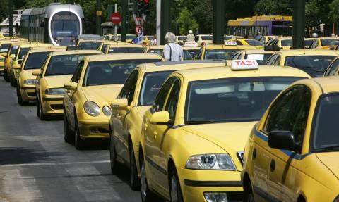 Χωρίς ταξί την Πέμπτη: Χειρόφρενο για 12 ώρες από τους οδηγούς