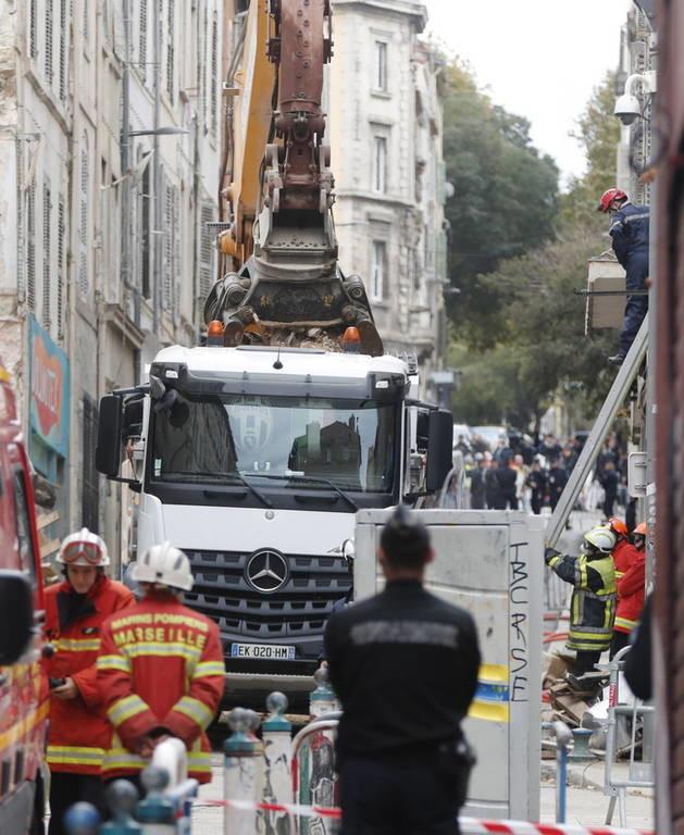 Μασσαλία: Φόβοι για ντόμινο κατάρρευσης κτηρίων καθώς οι νεκροί αυξάνονται (pics+vid)