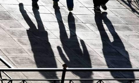 ΓΣΕΕ: Έως τις 31/12 η χορήγηση της ετήσιας άδειας ανάπαυσης και του επιδόματος αδείας