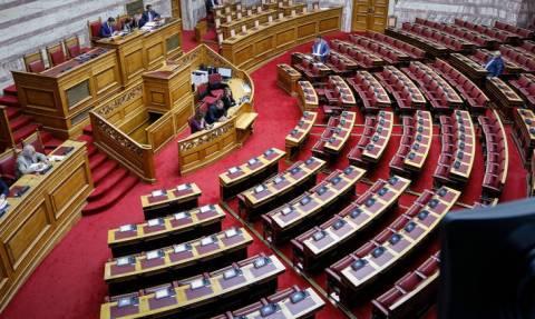 Την Πέμπτη στη Βουλή η τροπολογία για τα αναδρομικά - Ποιοι θα πάρουν έως και 20.000 ευρώ
