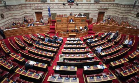 Την Πέμπτη ψηφίζεται η τροπολογία για τα αναδρομικά - Ποιοι θα πάρουν έως και 20.000 ευρώ