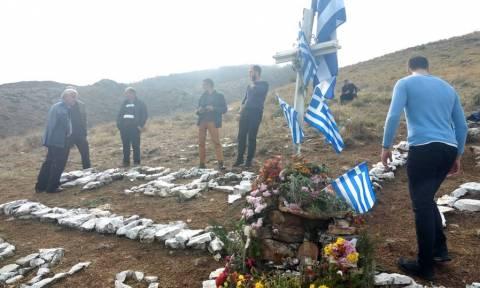 Κηδεία Κατσίφα - Ανατριχίλα: Ο Εθνικός Ύμνος στο σημείο της δολοφονίας (pics+vid)