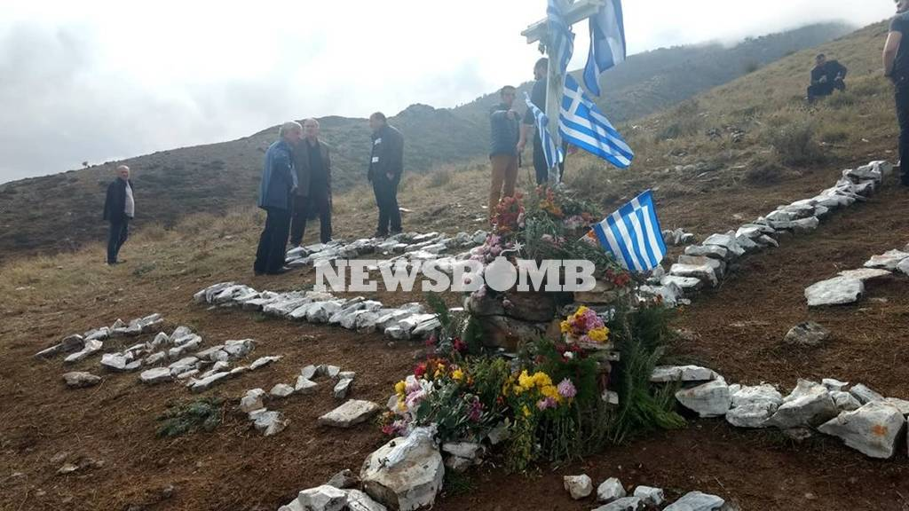 LIVE η κηδεία του Κωνσταντίνου Κατσίφα - «Κλαίει» η Βόρεια Ήπειρος - Θρηνεί ο Ελληνισμός  (2)