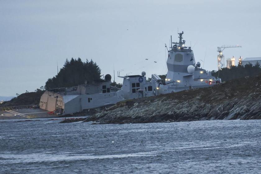 Βόρεια Θάλασσα: Εφτά τραυματίες σε σύγκρουση τάνκερ ελληνικών συμφερόντων με φρεγάτα (pics+vid)