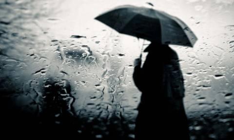 Καιρός: Βροχές και σποραδικές καταιγίδες την Παρασκευή (8/11) - Πού θα χρειαστείτε ομπρέλα