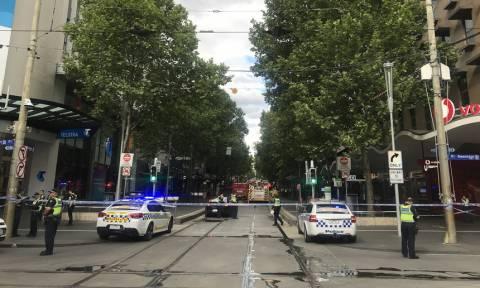Μελβούρνη: Ένας νεκρός σε επίθεση με μαχαίρι στη μέση του δρόμου - ΠΡΟΣΟΧΗ ΣΚΛΗΡΕΣ ΕΙΚΟΝΕΣ