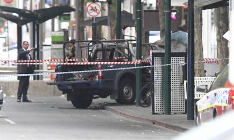 Ο τρόμος επέστρεψε στη Μελβούρνη: Δύο νεκροί και δύο τραυματίες από επίθεση με μαχαίρι (pics&vids)