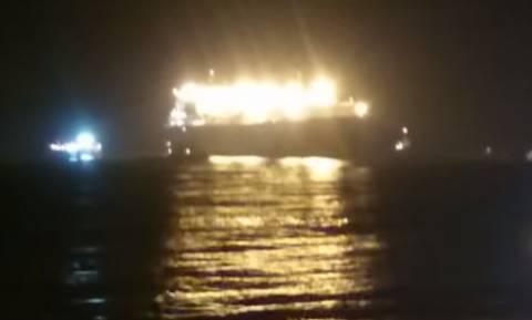Προσάραξη πλοίου έξω από το λιμάνι του Ηρακλείου (vid)