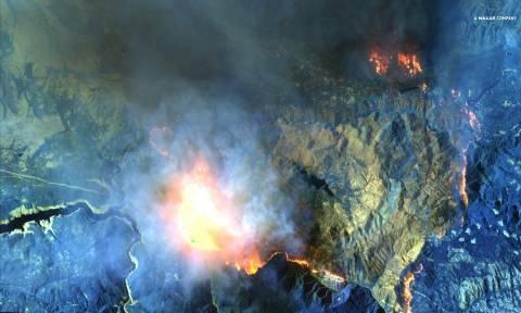 Ανατριχιαστικές εικόνες: Οι φωτιές στην Καλιφόρνια διακρίνονται από δορυφόρο! (pics+vid)