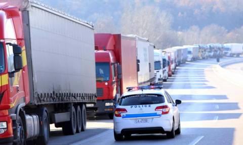 Βούλγαροι απέκλεισαν τα σύνορα στον Προμαχώνα – Εγκλωβισμένοι εκατοντάδες οδηγοί