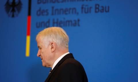 Γερμανία: Ο Ζεεχόφερ θέλει να παραιτηθεί από την ηγεσία του CSU