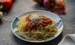 Πεντανόστιμη συνταγή: Μακαρόνια Ναπολιτάνα