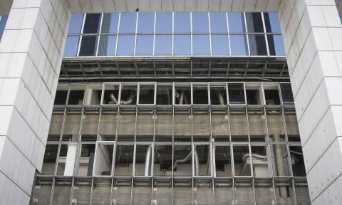 Επίθεση αντιεξουσιαστών σε αστυνομικούς μέσα στο Πρωτοδικείο Αθηνών – Τρεις τραυματίες (vid)