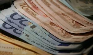 Δεν πίστευαν στα μάτια τους: Εργάτες πήραν 30.000 ευρώ μπόνους... κατά λάθος!
