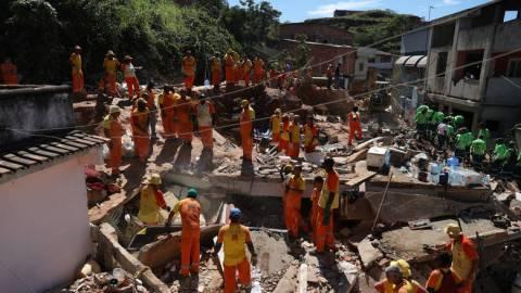 Βραζιλία: Στους 14 οι νεκροί από την κατολίσθηση στο Νιτερόι