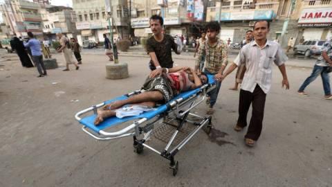 Υεμένη: Σε κατάσταση χάους η Χουνταϊντά - Οδομαχίες με τραυματίες κι εγκλωβισμένους