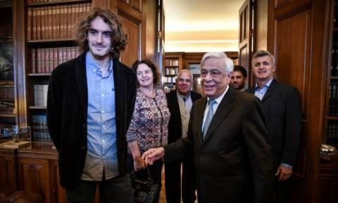 Στο Προεδρικό Μέγαρο ο Στέφανος Τσιτσιπάς: Νιώθω υπερήφανος που παίζω για τα ελληνικά χρώματα