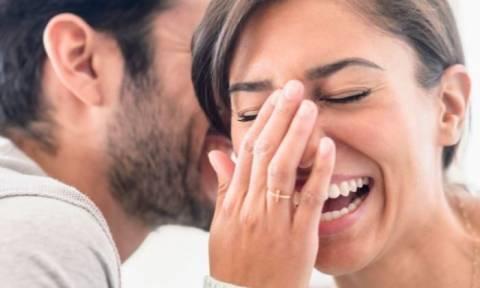 Το ανέκδοτο της ημέρας: «Γιατρέ γύρισα σπίτι και έπιασα τη γυναίκα μου με…»