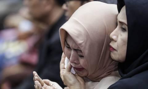 Συγκλονίζει η μνηστή θύματος της Lion Air: Φωτογραφήθηκε μόνη της με το νυφικό (pics)
