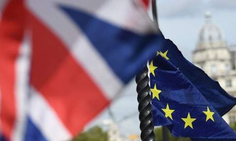 Brexit: Η απόφαση για τα ιρλανδικά σύνορα θα ληφθεί τον Ιούλιο του 2020