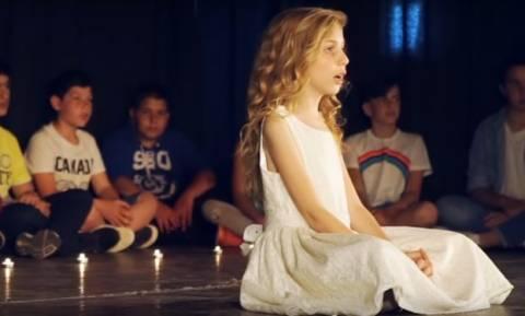 Κρήτη: «Γροθιά στο στομάχι» το συγκλονιστικό τραγούδι για τα τροχαία από παιδιά Δημοτικού (vid)