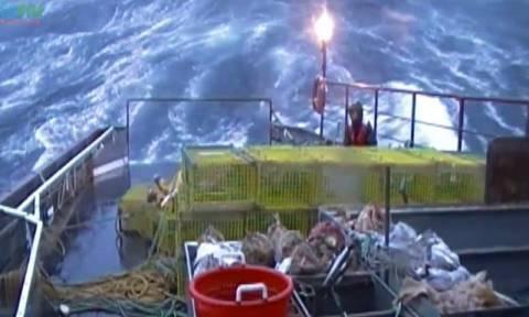 Η τέχνη του ψαρέματος! Ετσι φτάνουν τα ψάρια στο πιάτο μας (video)