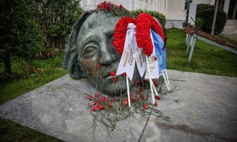 Πολυτεχνείο: Άνοιξε τις πύλες του για τον εορτασμό της 45ης επετείου - Υπό κατάληψη το κτήριο Αβέρωφ