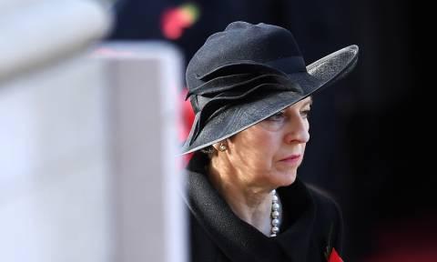 Brexit - Πολιτικό «θρίλερ» στη Βρετανία: Το Δημοκρατικό Κόμμα ζητά το «κεφάλι» της Μέι