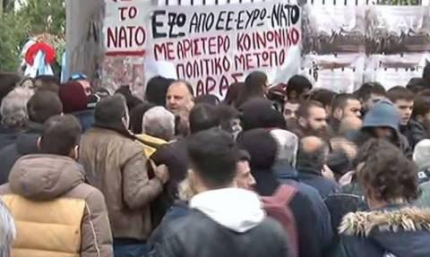 Επεισόδια στο Πολυτεχνείο: Προπηλάκισαν στελέχη του ΣΥΡΙΖΑ (pics+vids)