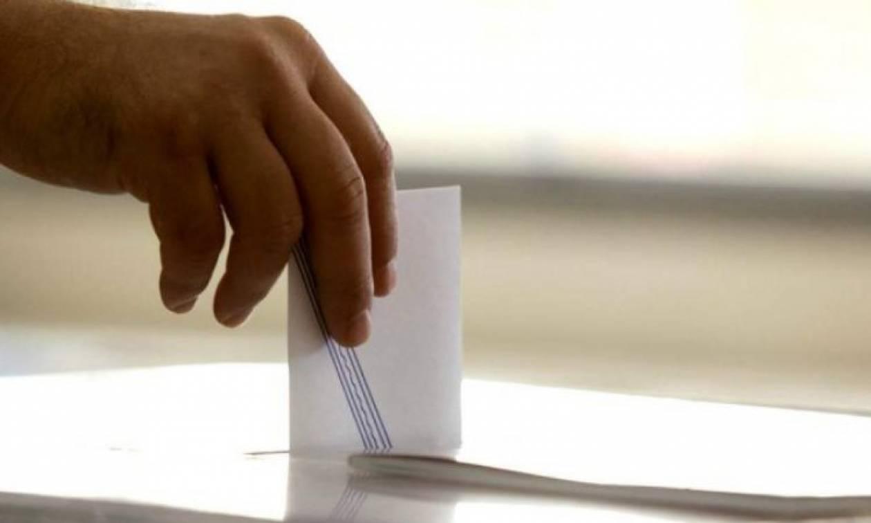 Δημοσκόπηση: Το 59% πιστεύει ότι η απλή αναλογική είναι δίκαιο σύστημα