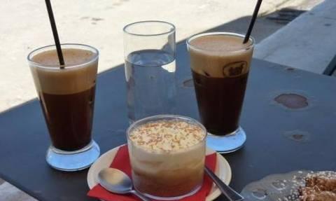 Δείτε τι περίεργο συμβαίνει σε όσους πίνουν πολλούς καφέδες