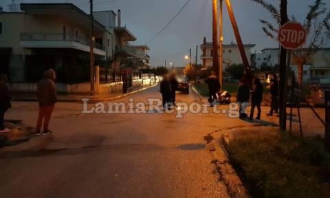 Λαμία: 91χρονος παραβίασε stop και εμβόλισε δίκυκλο - Δύο τραυματίες (pics)