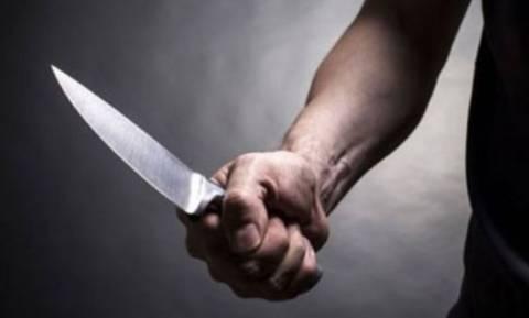 Λαμία: Πατέρας μαχαίρωσε τον ανήλικο γιο του που μπήκε στη μέση για να σώσει τη μητέρα του
