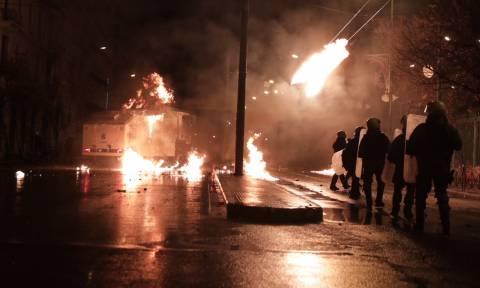 Επεισόδια Πολυτεχνείο: Συγκλονιστικές φωτογραφίες και βίντεο από τη μάχη της Πατησίων