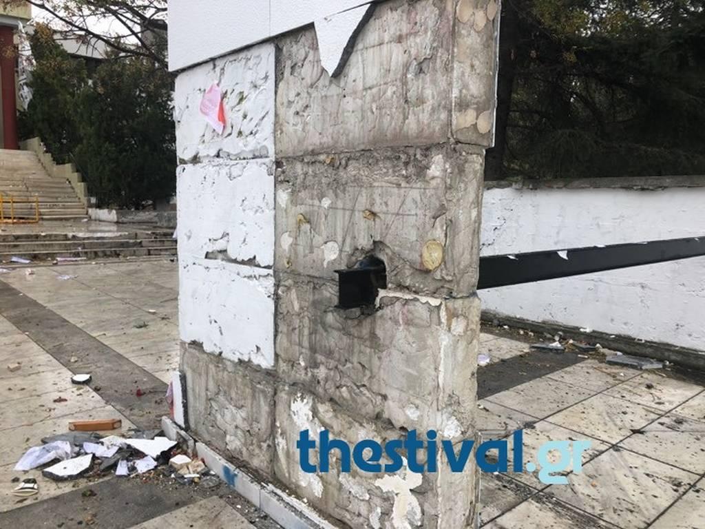 Θεσσαλονίκη: Βομβαρδισμένο τοπίο η Πολυτεχνική του ΑΠΘ (pics)